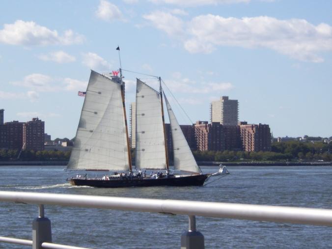 Hudson sailing By : Gabriela Yareliz