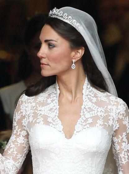 weddings-blogs-save-the-date-2011-04-29-0429-royal_wedding_kate_middleton_eyebrows_bd
